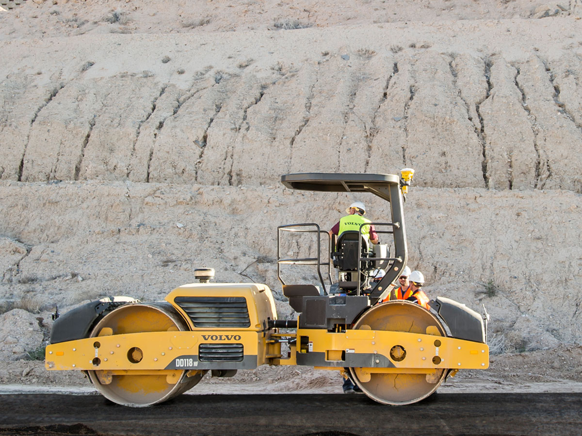 Volvo asphalt compactor with compaction control